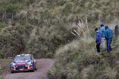 图文:WRC拉力赛阿根廷站 勒布驶向终点