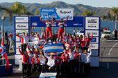 图文:WRC拉力赛阿根廷站 雪铁龙车队庆祝