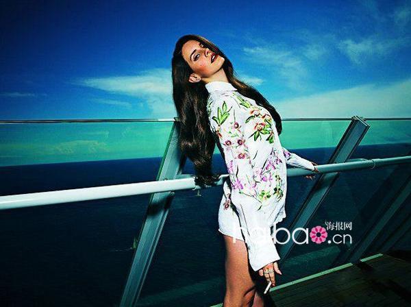 """项链 图样 杂志封面/拉娜德雷(Lana Del Rey) 带""""青鸟""""图样项链登《S Moda》杂志..."""