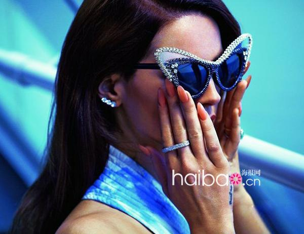 """项链 图样 杂志封面/拉娜德雷(Lana Del Rey)带""""青鸟""""图样项链登《S Moda》杂志..."""