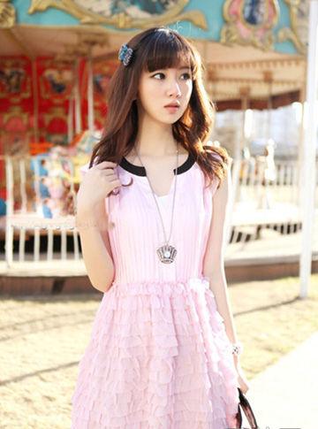 粉色背心裙
