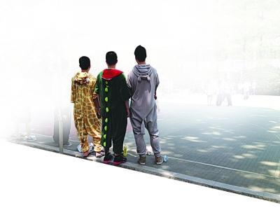 南京一中学200师生穿睡衣上课获校领导支持