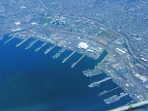 圣迭戈海军基地是美国海军在西海岸最大的基地,为第七舰队总部所在地.