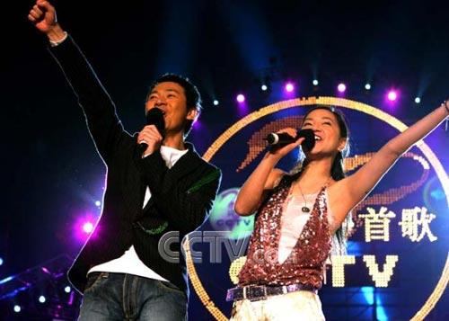 孟欣曾创办了闻名全国的金牌节目《同一首歌》