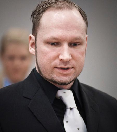 挪威杀手安德斯•贝林•布雷维克在法庭上辩称他不是精神病患者。