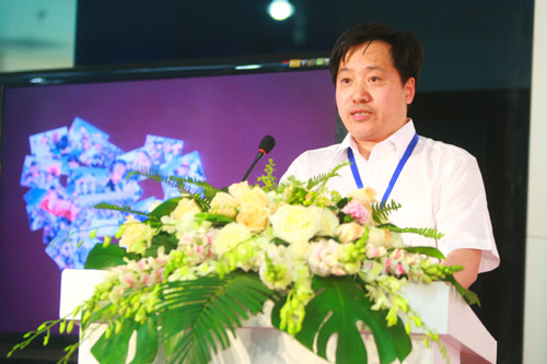 民政部社会福利和慈善事业促进司副司长 徐建中