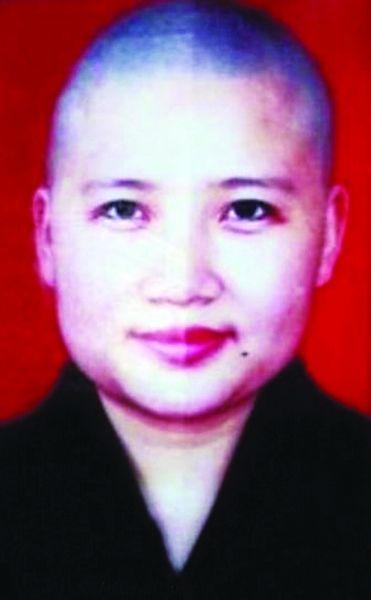 李娜近照 图片来源 长春国贸博客 青藏高原 演唱者李娜已