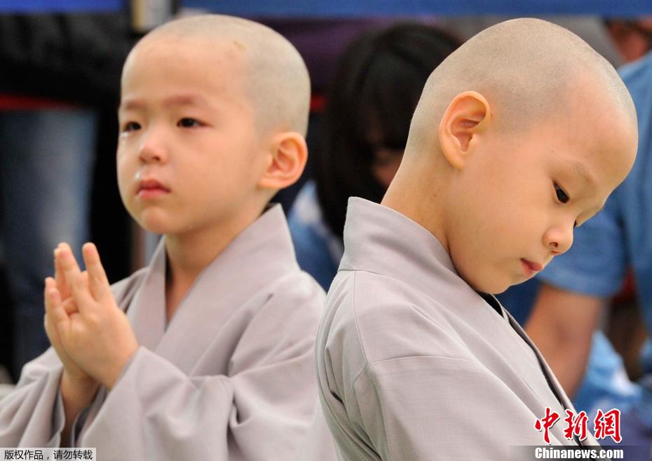 韩国/2012年5月13日,韩国首尔,为迎接即将到来的佛诞节,在Jogye...