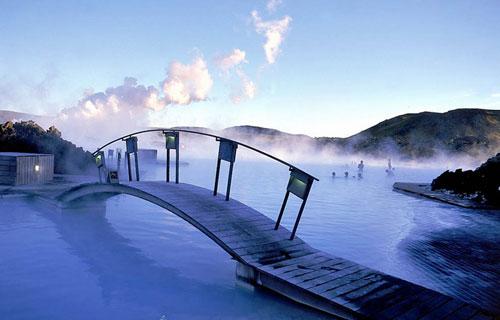 """(Blue Lagoon Hot Springs)""""蓝色珊瑚""""温泉"""