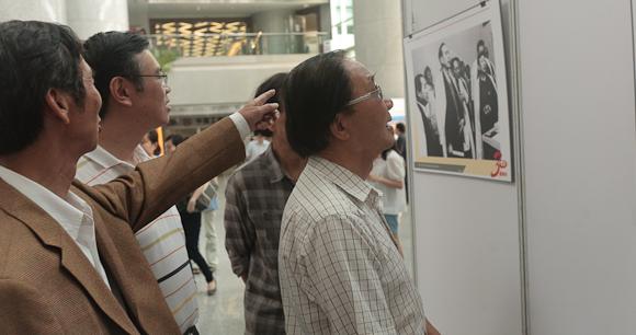 百幅珍贵照片展现深圳特区报30年奋斗史图片