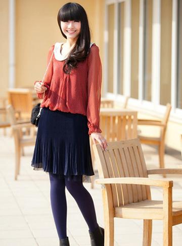 紫色雪纺衫搭配_短裙配丝袜 演绎美腿诱惑(组图)(1)_生活频道_光明网-搜狐滚动