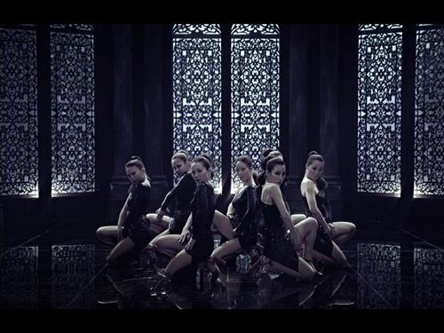 白智英/白智英新专辑主打歌《Good Boy》预告MV