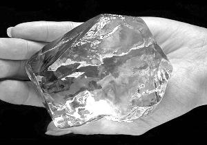 英国今夏展出7颗特别钻石 均由同一块原石切割(组图)