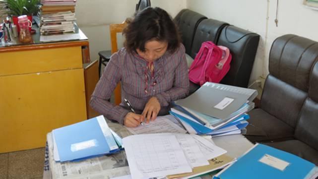 来凤县教研室到土堡铜牌工作小学教学检查(组国标舞视频常规教学图片
