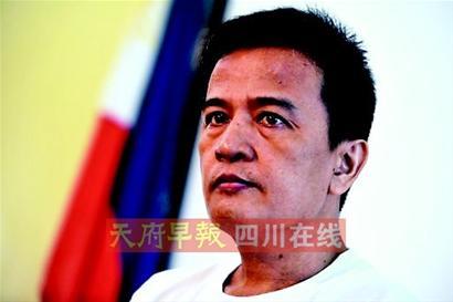 外交部发言人洪磊18日表示,中方将继续在黄岩岛保持高度警戒,阻止任何挑衅性行为。