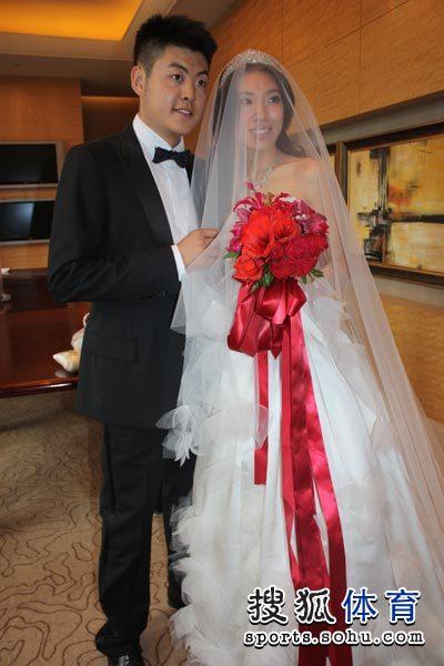 图文:梁文博婚礼仪式前准备图片