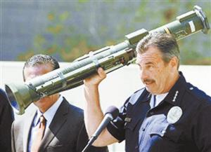 美国洛杉矶警察局_洛杉矶上缴枪支可换购物券 有人交出火箭筒(图)-搜狐新闻