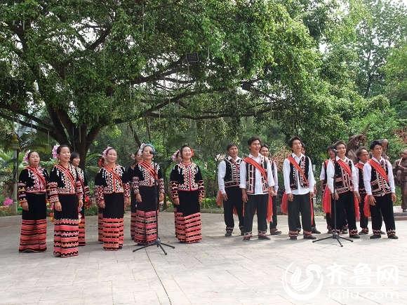 拉祜歌舞表演