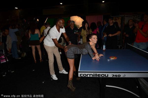 迈阿密,迈阿密举办情色博览会,老虎伍兹情妇乔思琳-詹姆斯寸头亮相