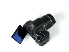 新一代入门单反王 佳能600D套机送镜头
