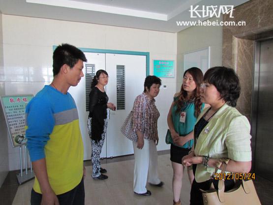 刘振山/烧伤母女目前仍住在北京304医院。长城网刘振山摄