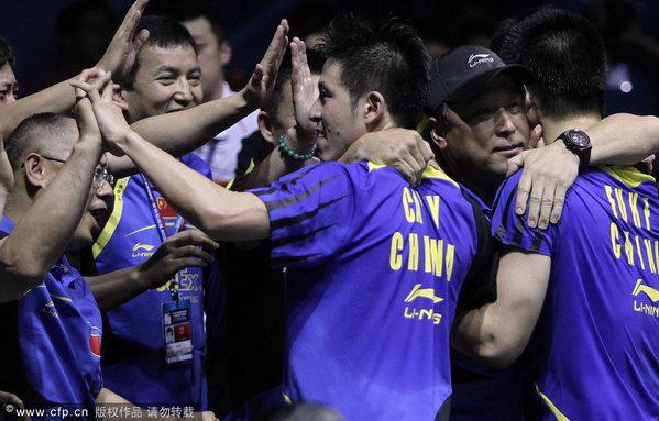 图文:汤姆斯杯中国VS韩国 李永波拥蔡�S傅海峰