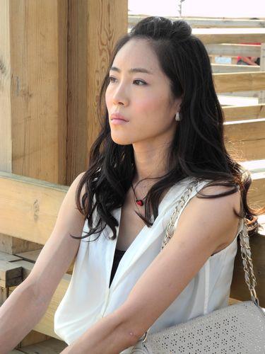内地电视    搜狐娱乐讯 青年演员梁镜珂出演的家庭剧《婆婆也是妈》