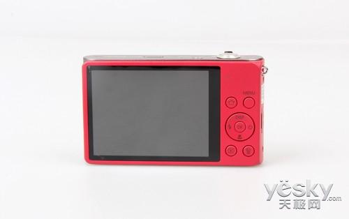 三星DV300F这款相机采用了一块3英寸、46万像素的液晶屏。