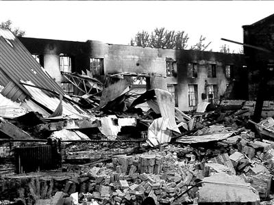 千余平米工厂炸成了废墟。本版图片本报记者苏晓明摄