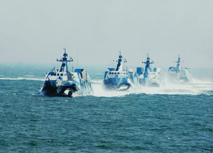 国外军事媒体分析认为,022型导弹艇会结合解放军日益完善的信息化