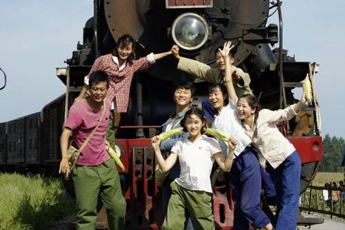 该剧由梁晓声编剧,张新建执导,全面展现了那个年代知青这个特殊群体的图片