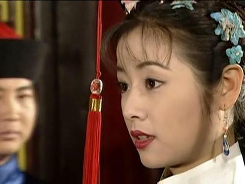 林心如/杨幂整容失败陈红变倪萍 女星的脸越长越怪异(组图)