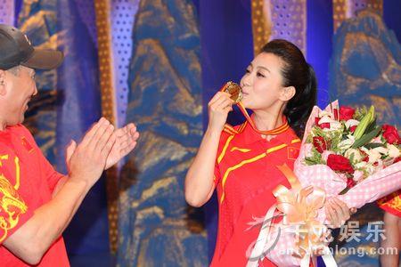 探班会变身运动会 谭晶PK李宁为伦敦奥运会热身
