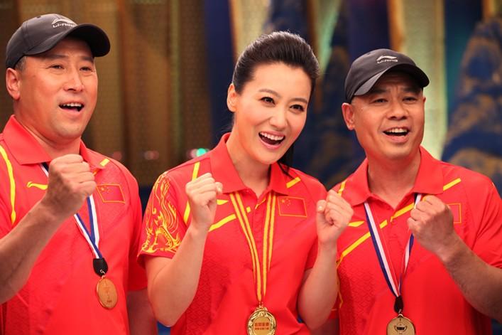 谭晶李永波李宁跨界组合助威中国奥运军团