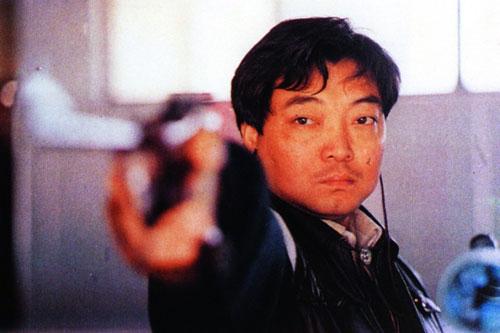 """1984年7月29日,第23届洛杉矶奥运会,许海峰获男子手枪60发慢射冠军,成为本届奥运会首枚金牌得主,同时也是中国奥运会历史上的首位冠军得主,打破了中国奥运史上金牌""""零""""的纪录。"""