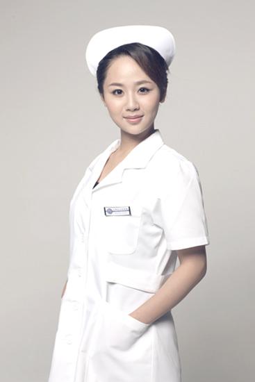 杨紫《心术》护士装甜美清秀