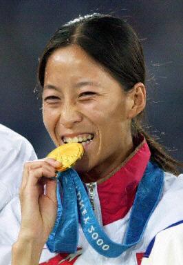 王丽萍女子20公里竞走摘金