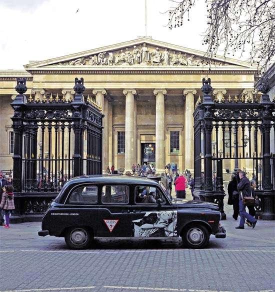 大英博物馆门前