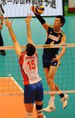 图文:中国男排0-3塞尔维亚 张晨直线进攻