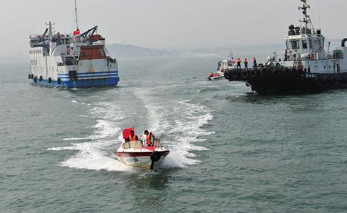 山东烟台首次举行无脚本海上搜救演习