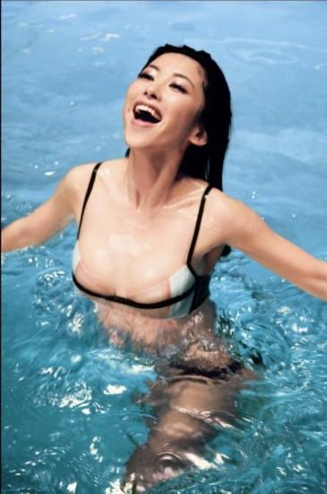 朱丹谢娜柳岩李蜜朱珠 新生代美女主播背景比拼(组图)
