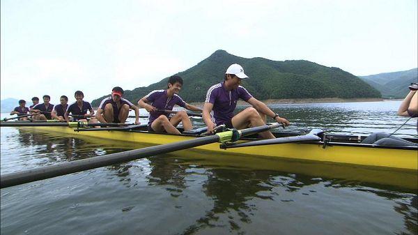 图文:《体育的力量》第一集 清华赛艇队