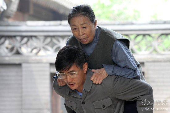 内地电视    搜狐娱乐讯 日前,演员叶静应邀参加北京电视台文艺频道图片