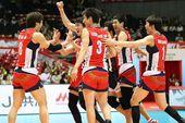 图文:[奥预赛]男排2-3韩国 韩国队庆祝胜利