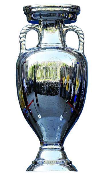 世界杯   哪个水平高?   tottq:明显欧洲杯水平高,世界杯就比...