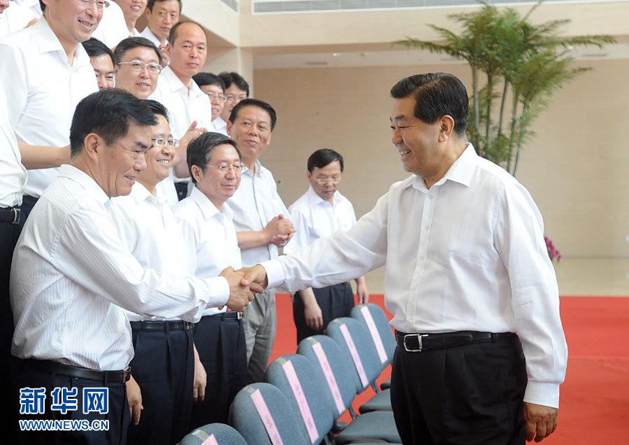贾庆林在中国航天科工集团公司调研(图)