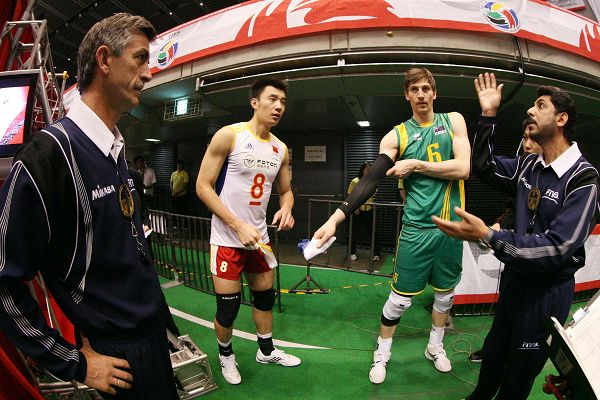 图文:男排0-3澳大利亚无缘奥运 双方谁先发球