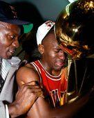 NBA总决赛经典图片:乔丹洒热泪 科比霸气庆祝