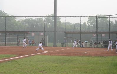 垒球世界日中国举行活动暨北京市电话大体育比赛在奥体中心庆祝大连不夜城保龄球馆垒球图片