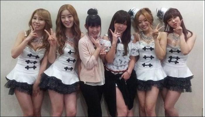 萝莉 成员/AKB48成员访问SISTAR后台萝莉穿女仆装斗艳高清